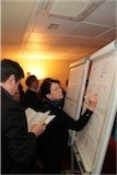 Les participants s'inscrivent dans les ateliers