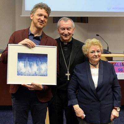 Samuel Lievin, Son Eminence le Cardinal Pietro Parolin et Roseline Hamel